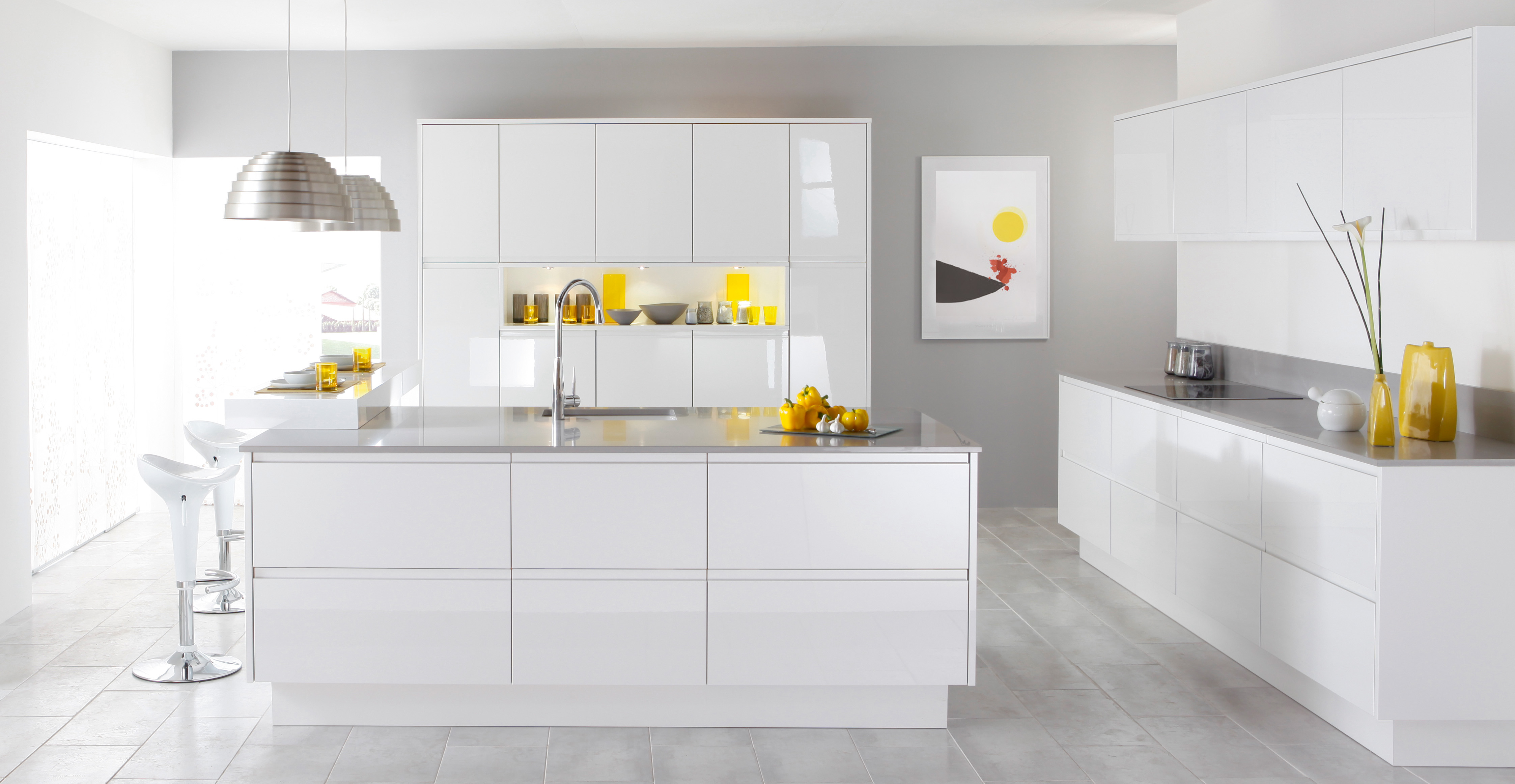 amazing-deluxe-white-kitchen-with-island-and-bar